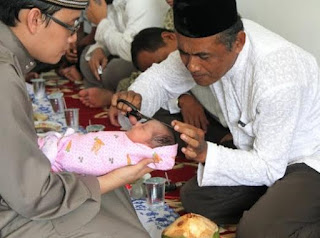 Bacaan Doa Mencukur Rambut Bayi yang Baru Lahir