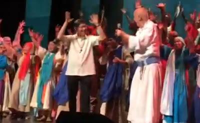 Tagle and Francis dancing