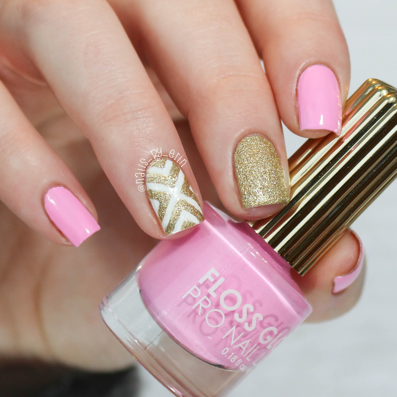 Beautiful Gold Manicures