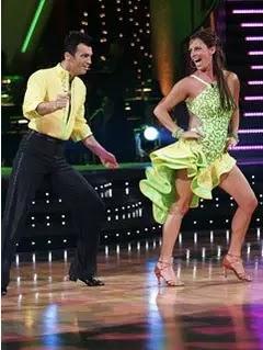 تفسير حلم الرقص للعزباء , الرقص في المنام بالتفصيل