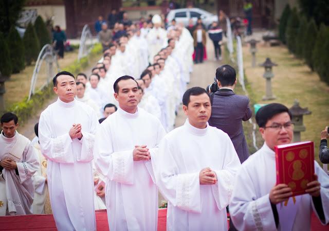 Lễ truyền chức Phó tế và Linh mục tại Giáo phận Lạng Sơn Cao Bằng 27.12.2017 - Ảnh minh hoạ 52