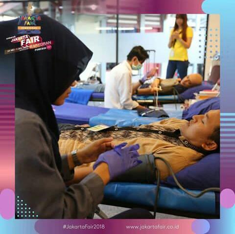 donor darah di ajang Jakarta fair
