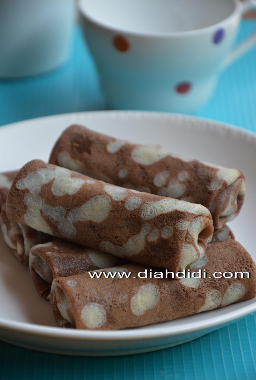 Diah Didis Kitchen Panekuk Belang Isi Pisang Coklat