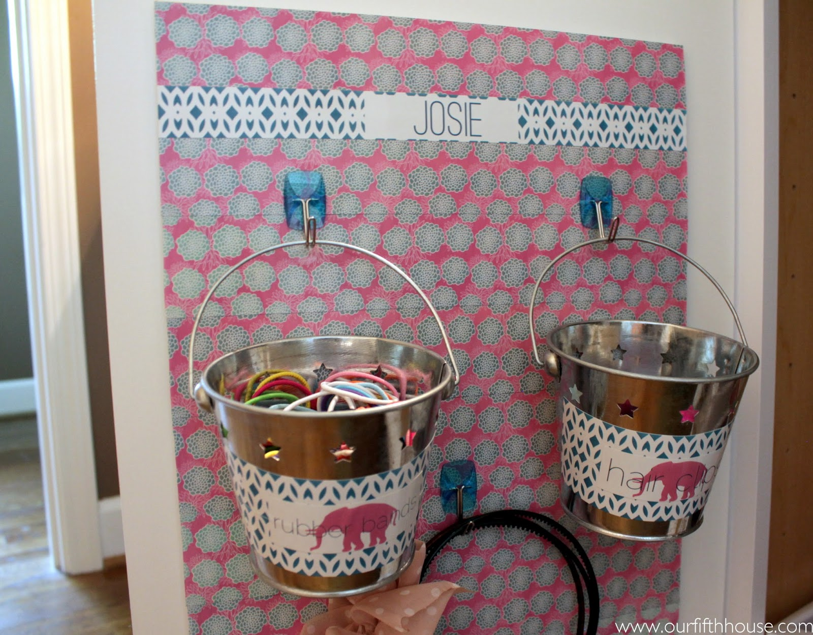 diy hair accessory organizer a lilly pulitzer style. Black Bedroom Furniture Sets. Home Design Ideas