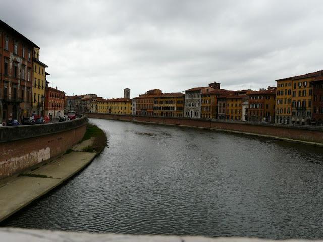 Rzeka Arno wPizie