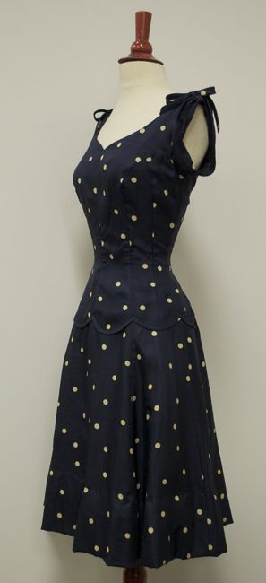 Sew Something Vintage 1940s Fashion: Welcome To The Vintage Stylist...the Blog Of A Vintage