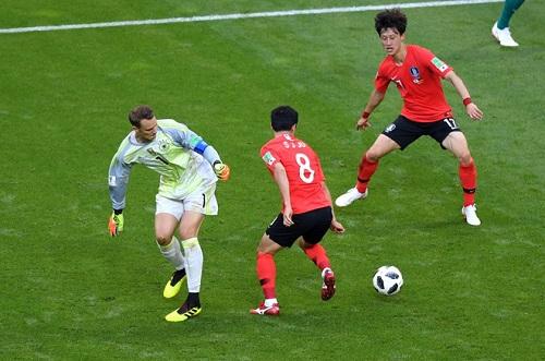 Ter Stegen là thủ môn cần được bắt chính ở đội tuyển Đức