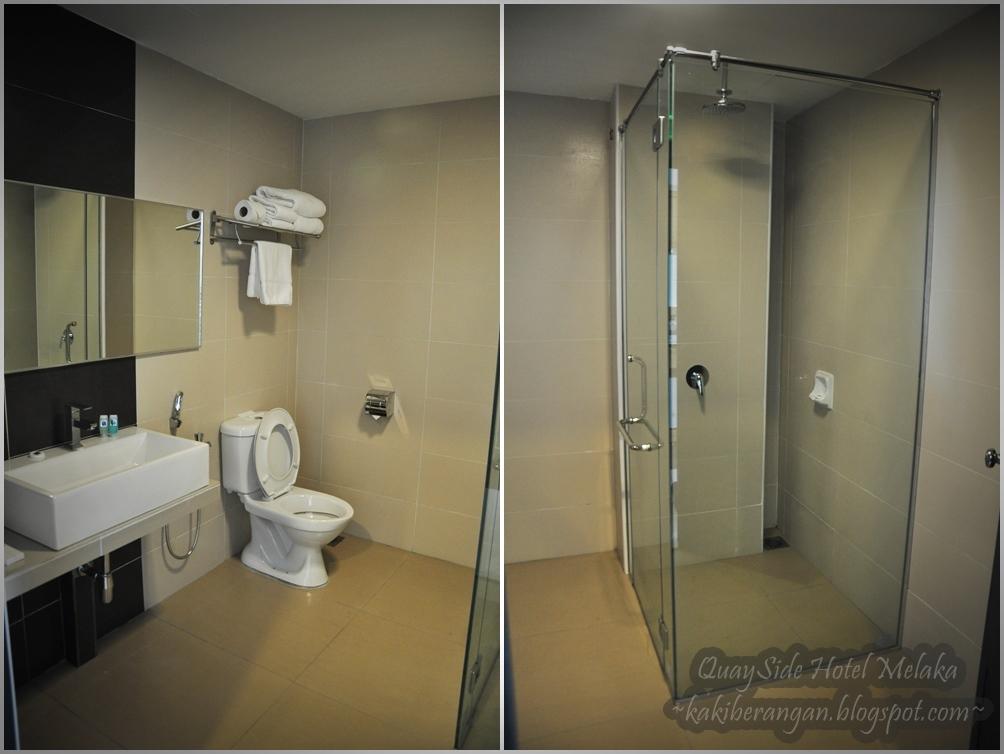 Bilik Air Dia K Memang Jenis Yang Luas Dan Modern Style Ada See Thru Ruangan Untuk Shower I Gitew Hahaha