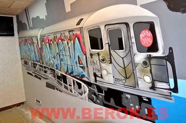 tren de New York pintado con grafitis