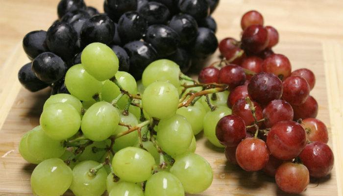Buah Anggur dan Manfaat Serta Kandungan Kesehatannya