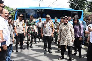 Danrem 084/Bhaskara Jaya Tinjau TPS Di Surabaya
