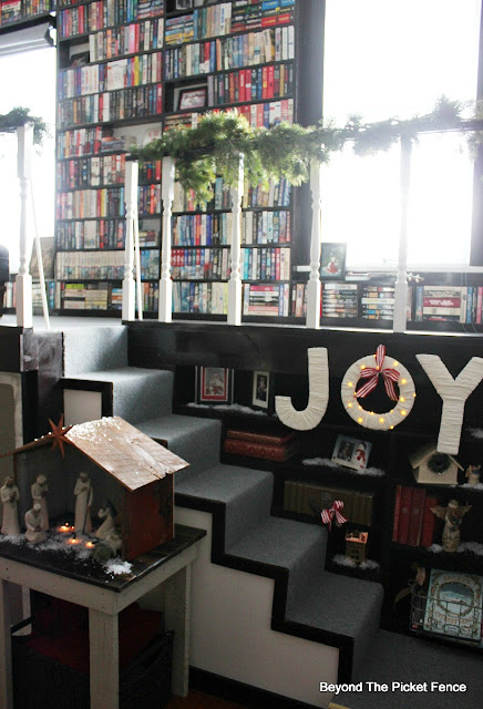 old schoolhouse, Christmas home, Joy sign, library, https://goo.gl/xpejCP