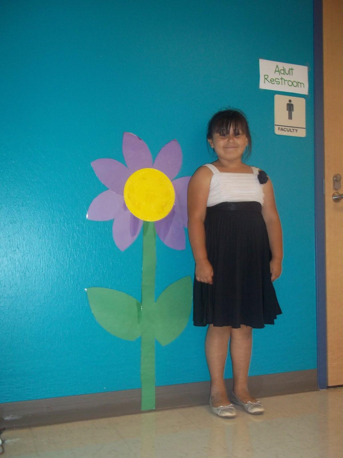 Kinder Garden: Mrs. Wood's Kindergarten Class: Big Flower Measurement