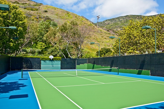 Tennis court in the backyard of Mel Gibson's house
