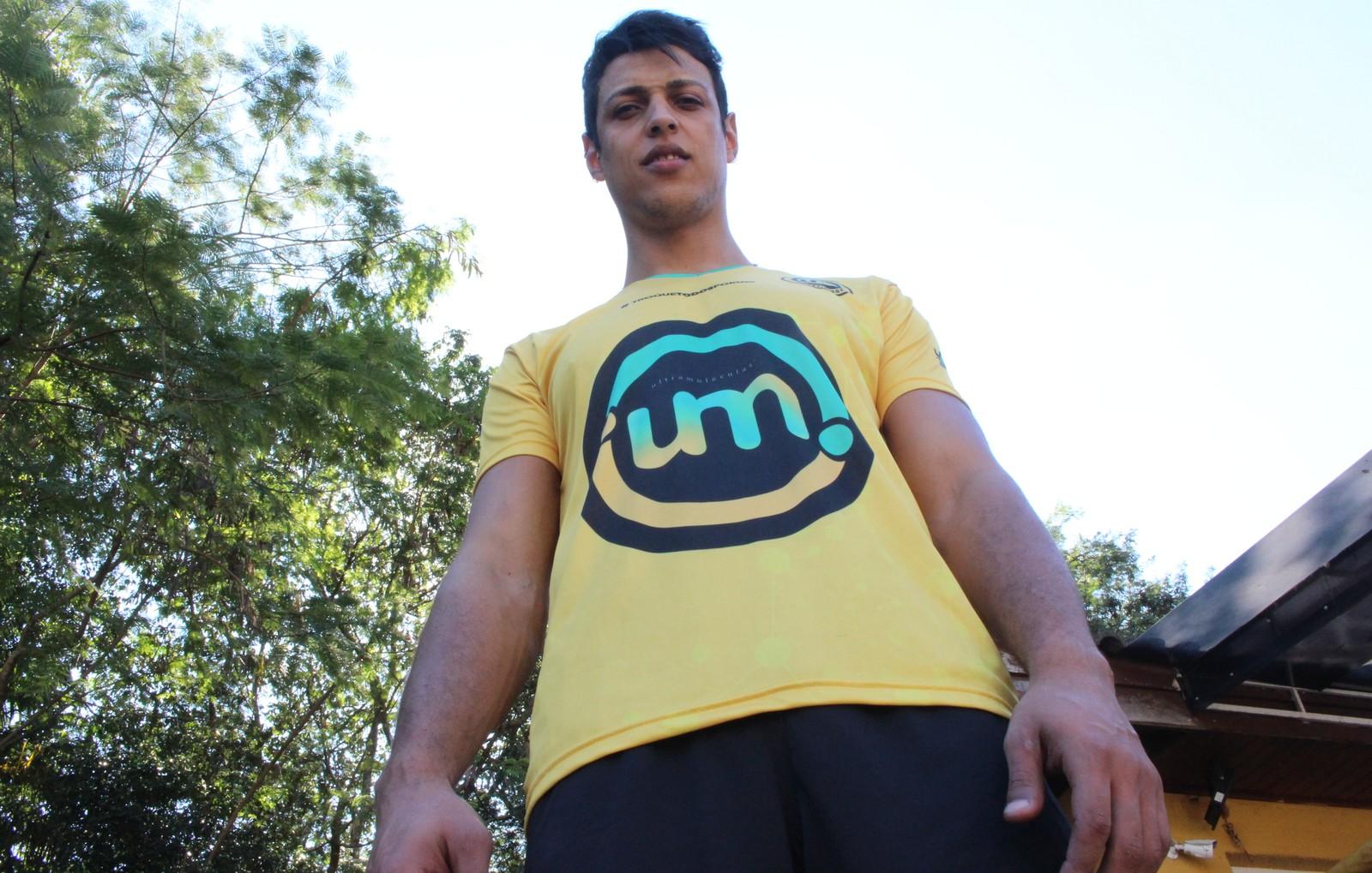 Vítima de homofobia no vôlei, Michael supera trauma e comemora: 'Liberdade'