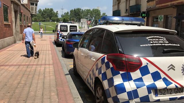 comisaría y vehículo de la policía local de Barakaldo
