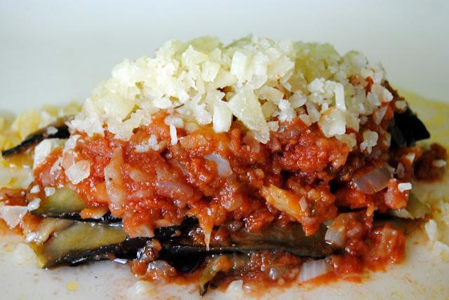 Berenjenas en Salsa de Tomate (Melitzánes Jachni)