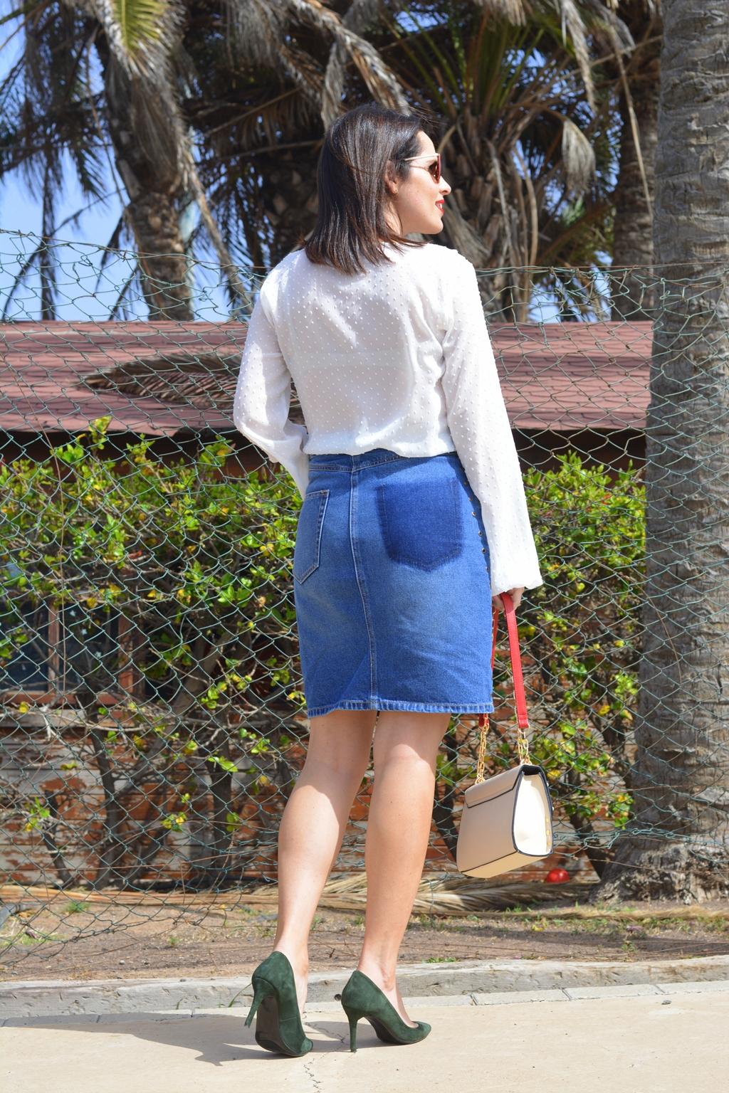 falda-denim-eyelets-stradivarius-outfit