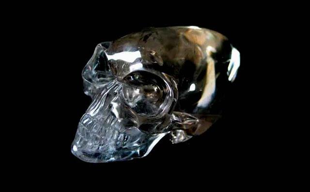 kristal tengkorak alien