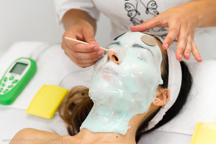 Máscara facial con tecnología Peel-Off de efecto ultra reafirmante, anti edad e ionizable