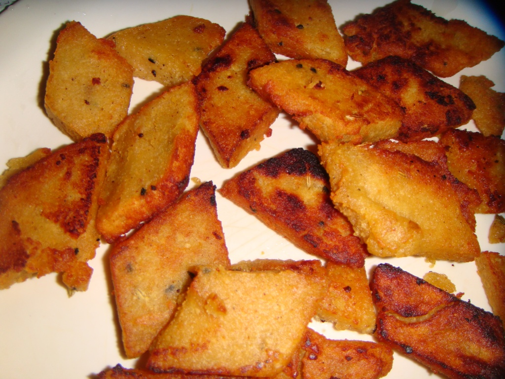 Antara's Kitchen: Dhokar dalna Recipe (Lentil cakes curry)