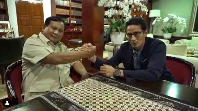 Ngevlog Bareng, Prabowo dan Sandi Kompak Semangati Relawan