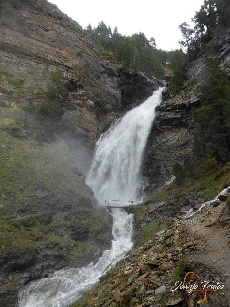 P1140142 - Ruta Las Tres Cascadas de Cerler con mucha agua