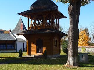 Крехів. Монастир св. Миколая. Дзвіниця