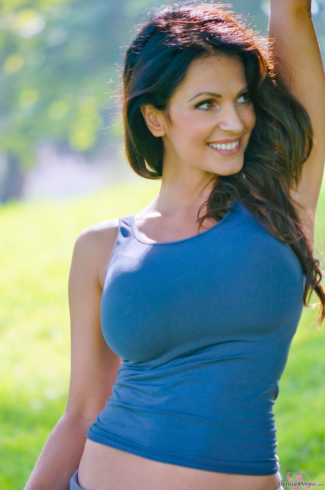 Diya Wallpaper Hd Latest Celebrity Pictures Indian Sexy Actress Gallery