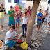 Pai da garotinha Jamily se acorrenta em frente ao Fórum de Uiraúna para pedir leite especial. Vídeo