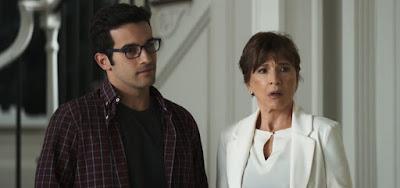 Beatriz (Natália do Vale) e Zé Hélio (Bruno Bevan) vão enfrentar clima tenso em restaurante