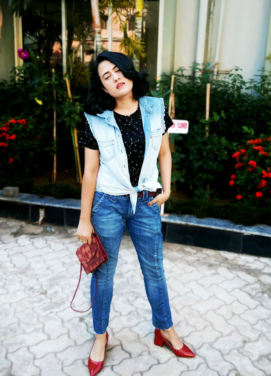 MangoblackTOP, Mango Jeans ,Levi's Denim Vest,Zara Red Wide Medium Heels