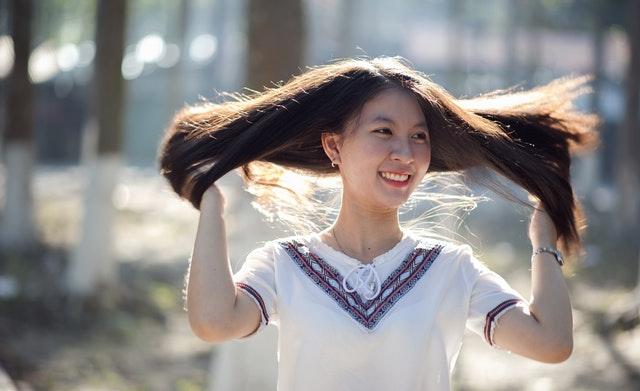 cara alami obati kutu rambut