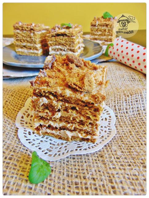 Ciasto Marlenka z masą krówkową.