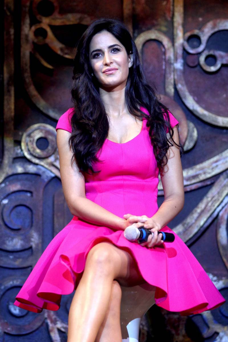 Katrina Kaif in pink dress, Katrina Kaif sexy legs, Katrina Kaif hot legs, Katrina Kaif hottest hd wallpaper