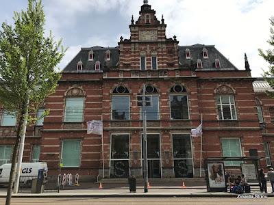 amsterdam-stedelijk-museum-cladirea-weissman