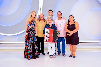 Eliana Dorgival Dantas, Kayro e família  Crédito:Gabriel Cardoso/SBT
