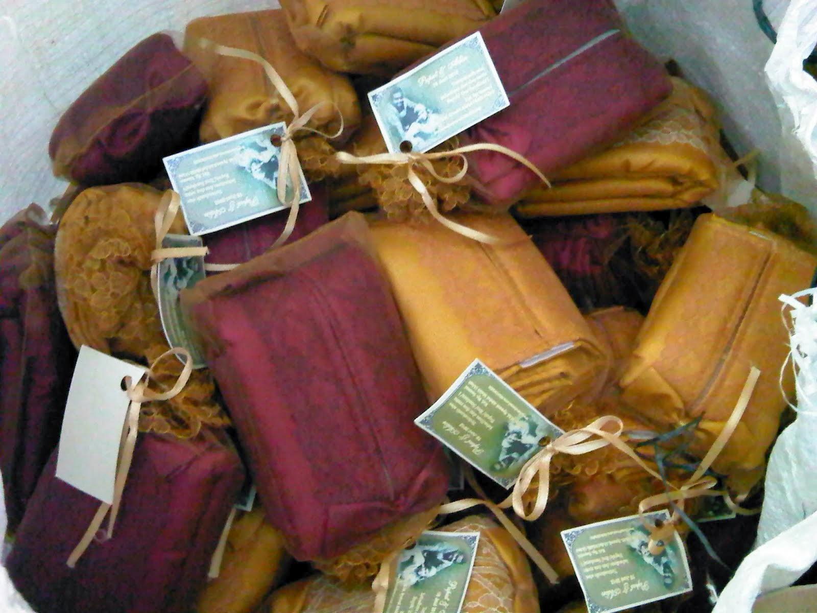souvenir tempat tisu, souvenir tempat tisu murah, souvenir tempat tisu organdi,souvenir tempat tisu satin.