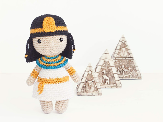 amigurumi-doll-cleopatra-muneca-ganchillo-mini