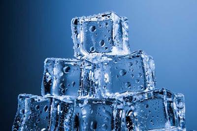 Manfaat es kerikil kepada wajah dan kecantikan lain menyerupai memerahkan bibir 10 Manfaat es kerikil kepada wajah dan kecantikan bibir