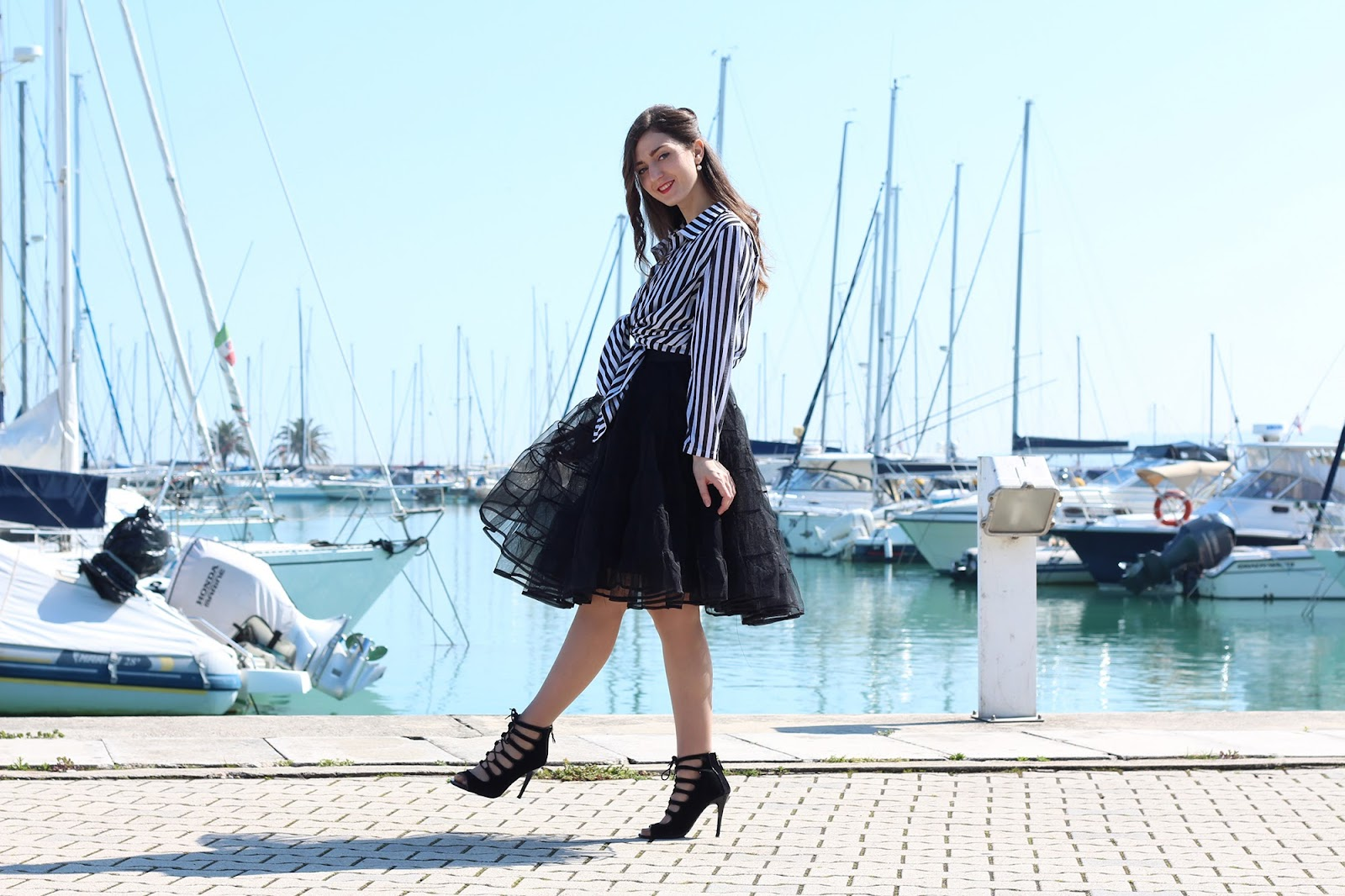 fashion '50 style blogger pescara italy girl love outfit ootd pearls striped heels zara ovine ovs black tacchi sandali veggie dress tulle skirt gonna vestito camicia righe stripes shirt mastrobijoux anello ring wood