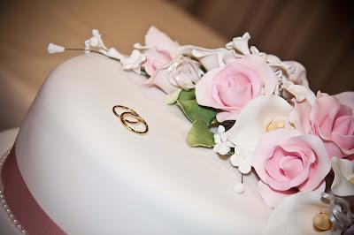wedding-engagement-cake-ring