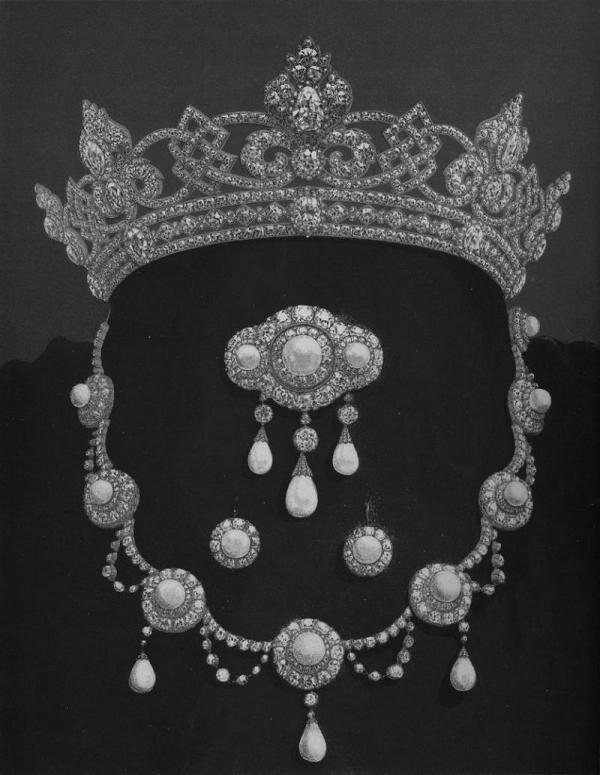Queen Alexandra S Wedding Gift Parure The Court Jeweller