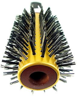O cabelo (cacheado, liso, ondulado, crespo) pode ser penteado seco?
