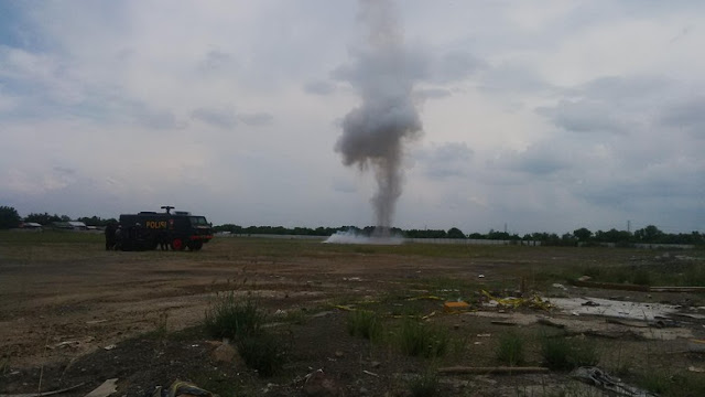 Polisi Ledakan 3 Bom Milik Terduga Teroris di Surabaya