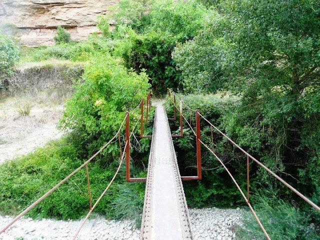asarela sobre el río Isuala, GR-45, Alberuela de Laliena.