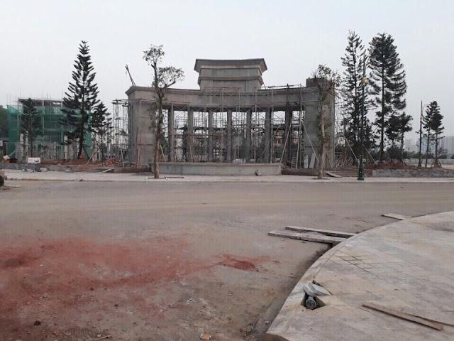 Khu vực cổng chào dự án Louis City