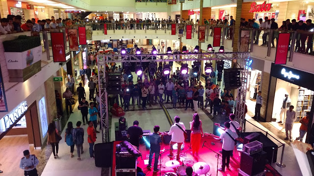 Weekend extravaganza @DLF Place, Saket with International Zouk Festival and live performance by Delhi Indie Project