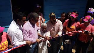 Candidato a diputado por el PLD Alexis Sánchez dona vivienda amueblada a una señora de 102 en SC