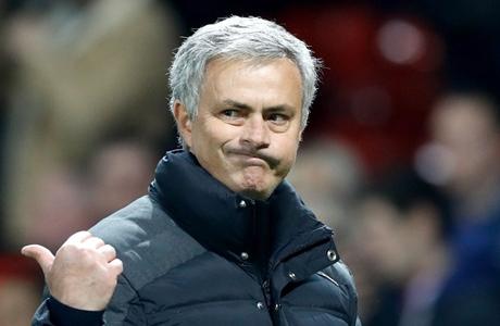 Kepincut Bek Spurs, Mourinho Tidak Dapat Restu Petinggi MU